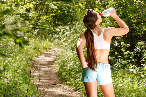 12 Simple Ways to Drink More Water running Mommy Perfect