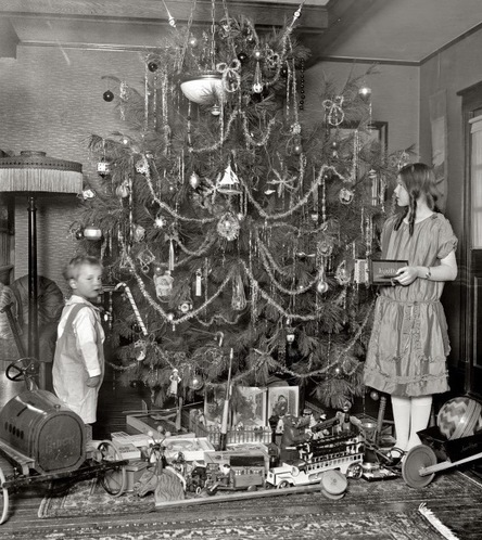 How to Keep Your Christmas Tree Fresh 1920s