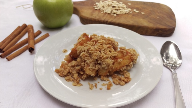 Skinny and Simple Apple Crisp recipe Mommy Perfect