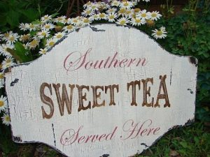 Southern Sweet Iced Tea -- Mommy Perfect